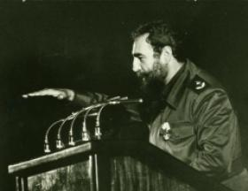 Fidel during the inauguration of Ameijeiras Hospital, December 3, 1982. Photo: Jorge Oller