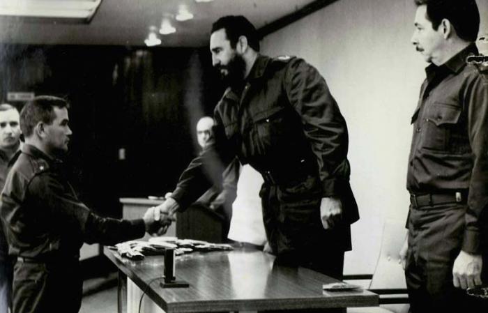Para Lorenzo García constituye un honor haber sido ascendido a Comandante por Fidel Castro, «el hombre que le devolvió la dignidad al campesinado cubano». Foto: Cortesía del entrevistado