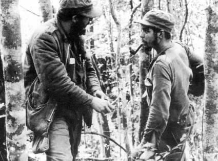 Dirigido por Fidel, el ataque al cuartel de El Uvero puso en evidencia la madurez y la valentía de los jóvenes rebeldes y acrecentó la esperanza en el triunfo. Autor: Archivo de JR Publicado