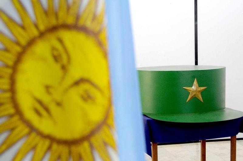 Donan a Cuba réplica de la gorra de Fidel  bb857e89732
