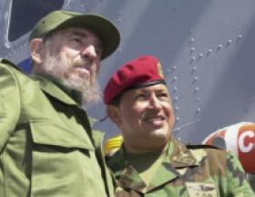 Pocas veces en Nuestra América dos luchadores revolucionarios y estadistas tuvieron una relación tan estrecha como la de Fidel y Chávez. Foto: Archivo de Granma