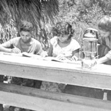 Llevar a los llanos y montañas la luz de la enseñanza fue una premisa de quienes conformaron el Ejército de Alfabetizadores Conrado Benítez. Foto: Archivo de JR