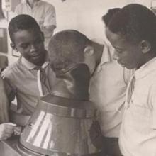 Miles de muchachas y muchachos se beneficiaron con el Plan de Becas de la Revolución que comenzó en los años 60. Foto: Archivo de JR