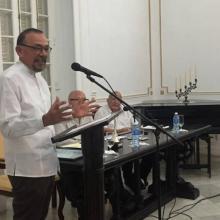 Bojórquez agradece la distinción de la Fundación Fernando Ortiz, en la sede del Centro de Estudios Martianos. Foto: Marisol Bello