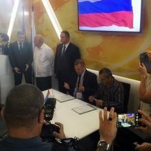 Representantes del sector industrial de Cuba y Rusia
