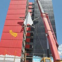 La obra se realiza en uno de los edificios más altos de la ciudad de Matanzas. Foto: Ramón Pacheco