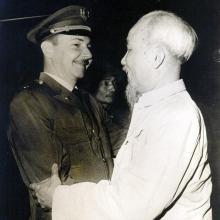 Cuba et le Vietnam ont toujours entretenu des relations d'amitié. En 1966, le général d'armée Raul Castro Ruz se rendit au Vietnam où il rencontra Ho Chi Minh. Photo: Archives