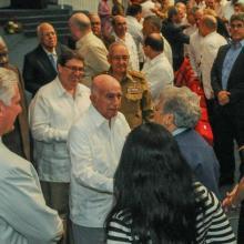 El Presidente cubano, junto al Segundo Secretario del Partido y otros miembros del Buró Político del país, encabezó el acto por el aniversario 60 del Minrex. Foto: José Manuel Correa