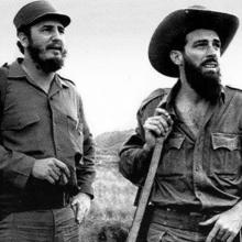 Camilo junto a Fidel en la Sierra.