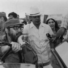 Fidel durante uno de sus recorridos por Cienfuegos./Foto: Tomada del sitio digital Radio Rebelde