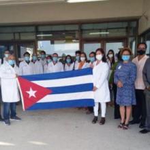 Llega a Barbados segundo grupo de especialistas cubanos. Foto: Cubaminrex