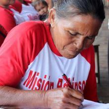 La Misión Robinson cumple más de una década impartiendo educación democrática y gratuita.