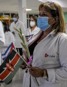 Zur Bekämpfung der Pandemie hat Kuba über 2.000 Ärzte in verschiedene Länder der Welt entsandt. Foto: José Manuel Correa