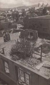 Estado en que quedó la Estación de Policía luego de la acción revolucionaria (la foto fue tomada en los primeros años de la Revolución). Hoy día se erige aquí el Museo de la Clandestinidad
