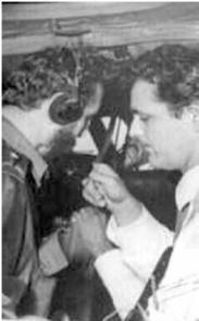 Fidel entrevistado para la radio por Eddy Martin a más de 19 000 pies de altura. Foto: Archivo de Granma