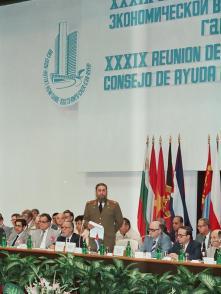 Asiste a la clausura de la XXXIX Reunión del Consejo de Ayuda Mutua Económica