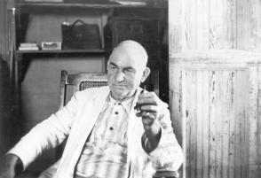Don Ángel Castro Argiz, en su oficina-comedor, en 1956. Foto: Oficina de Asuntos Históricos del Consejo de Estado