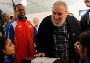 Fidel luego de votar en las elecciones de 2013. Foto: Ismael Francisco/ Cubadebate.