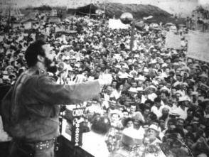 Fidel habla al pueblo de Baracoa, el 17 de junio de 1959. Foto: Archivo Revolución.