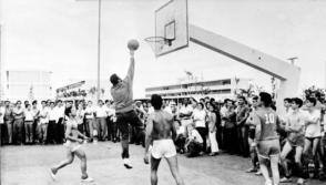 El Comandante en Jefe Fidel Castro Ruz practicó con su ejemplo la formación integral mediante el deporte. Foto: Archivo