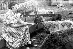Lina Ruz en su casa de Birán, en 1958. Fuente: Oficina de Asuntos Históricos del Consejo de Estado.