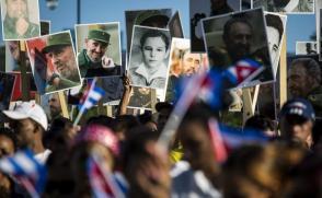 Ahí está el heroico pueblo de Cuba, resistiendo, luchando, creando y venciendo, mientras esa continuidad creativa y renovadora esté presente, ahí estará por siempre Fidel. Foto: Irene Pérez/ Cubadebate.