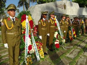 Diejenigen, die in einer internationalistischen Mission getötet wurden, wurden von der Führung des Landes und dem kubanischen Volk geehrt Photo: Eduardo Palomares