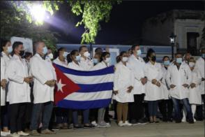 Llegan a Matanzas integrantes del Contingente Henry Reeve que estaban en colaboración solidaria en otros países. Foto: Mario Almeida / Cubadebate