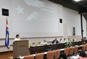 Discurso de encerramento do 3º Simpósio Internacional A Revolução Cubana, por Elba Rosa Montoya, ministra da Ciência e Tecnologia. Photo: Ismael Batista