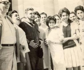 El Che Guevara con la brigada medica en Sidi Bel Abbes. Foto: Juventud Rebelde.