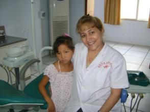 María Rosa Cabrera es especialista en prótesis ocular y estomatología.