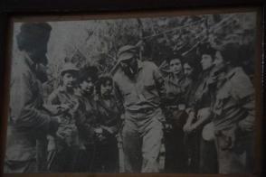 """""""Narra que conoció a Fidel en los días de la ofensiva del ejército de la tiranía, cuando ella llevó mensajes a lugares donde él estaba, y desde la primera vez se sintió muy impresionada."""" Foto: Cortesía del autor"""