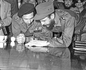 Wie Fidel und Raúl es uns gelehrt haben, muss in unserer Gesellschaft und in unserer Partei ein Prinzip herrschen: das, des Vorbilds, das an seinen Verdiensten, seinen Fähigkeiten und seiner Bescheidenheit zu erkennen ist Photo: Archivo