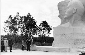 Fiel e Raúl na inauguração do monumento a Lênin, em 8 de janeiro de 1984, no parque que leva seu nome, em Havana. Photo: Jorge Oller