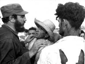 Fidel durante el ciclón Flora. Foto: Liborio Noval