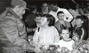 """""""Ihr werdet die beste Versorgung seitens der besten Spezialisten erhalten"""", sagte Fidel zu den Opfern des Atomunfalls, und so geschah es Photo: Liborio Noval"""