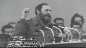 El Comandante en Jefe, Fidel Castro Ruz, conmemora en Cienfuegos el 20 aniversario de la gesta revolucionaria el 5 de septiembre de 1977. Foto: Captura de discurso grabado por Santiago Álvarez