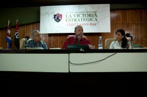 "Fidel Castro presenta el libro ""La victoria estratégica"". Foto: Roberto Chile"