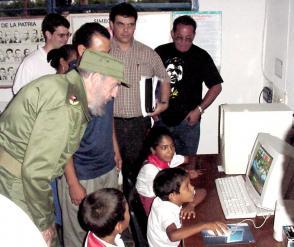 Fidel introdujo la Computación en la Enseñanza Primaria, en el colegio multigrado Enma Rosa Chuy, en la zona rural de Saturnino, en Pilón. FOTO/ Luis Carlos Palacios Leyva.