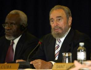 El presidente cubano Fidel Castro en la conferencia de prensa final de la de la II Cumbre Cuba-CARICOM. Bridgetown, Barbados. Foto: www.fidelcastro.cu