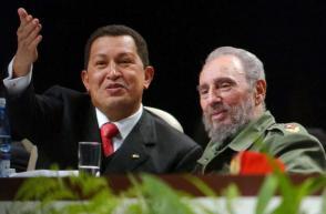 Fidel y Chávez en el acto fundacional del ALBA. Foto: Velázquez, Amhed