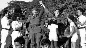 Fidel y Raúl en Cinco Palmas, durante la celebración del aniversario 30 del histórico reencuentro de los combatientes con su jefe