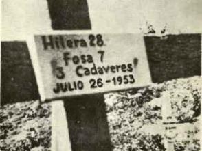 """""""A las cruces agregó [Castelnaux] unas tablitas con letras negras que señalaba fosa tal, tantos cadáveres"""", relataría Gloria Cuadras en sus memorias. ( Fotocopia La Generación del Centenario en el juicio del Moncada)"""