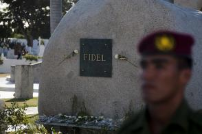 Fidel se convirtió en uno de los grandes hombres de la historia universal.