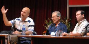 Los Héroes de la República de Cuba, Gerardo Hernández y Fernando González, y el doctor Rolando Rodríguez, destacaron el humanismo y los aportes a la cultura del líder histórico