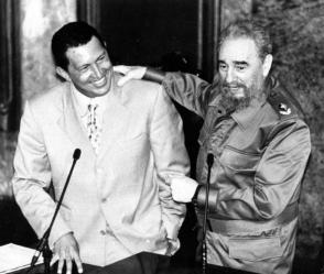 Fidel et Hugo Chavez au Grand amphithéâtre de l'Université de La Havane.