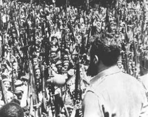 La derrota de la invasión mercenaria en Playa Girón, junto con otros momentos claves en la defensa de la Revolución, contó siempre con la presencia del líder cubano al frente de su pueblo.
