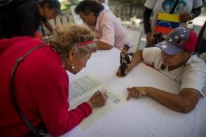 Millones de venezolanos han firmado ya una carta dirigida al secretario general de la Organización de Naciones Unidas (ONU) donde denuncian la agresividad de la Administración Trump. Foto: EFE.