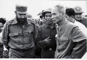 Fidel junto al Primer Ministro vietnamita Pham Van Dong en Septiembre de 1973. Foto: Estudios Revolución/ Cubadebate.
