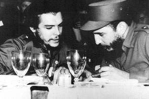 Fidel Castro y Ernesto Che Guevara en 1959